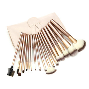 Set van 18 make-up kwasten beige goud